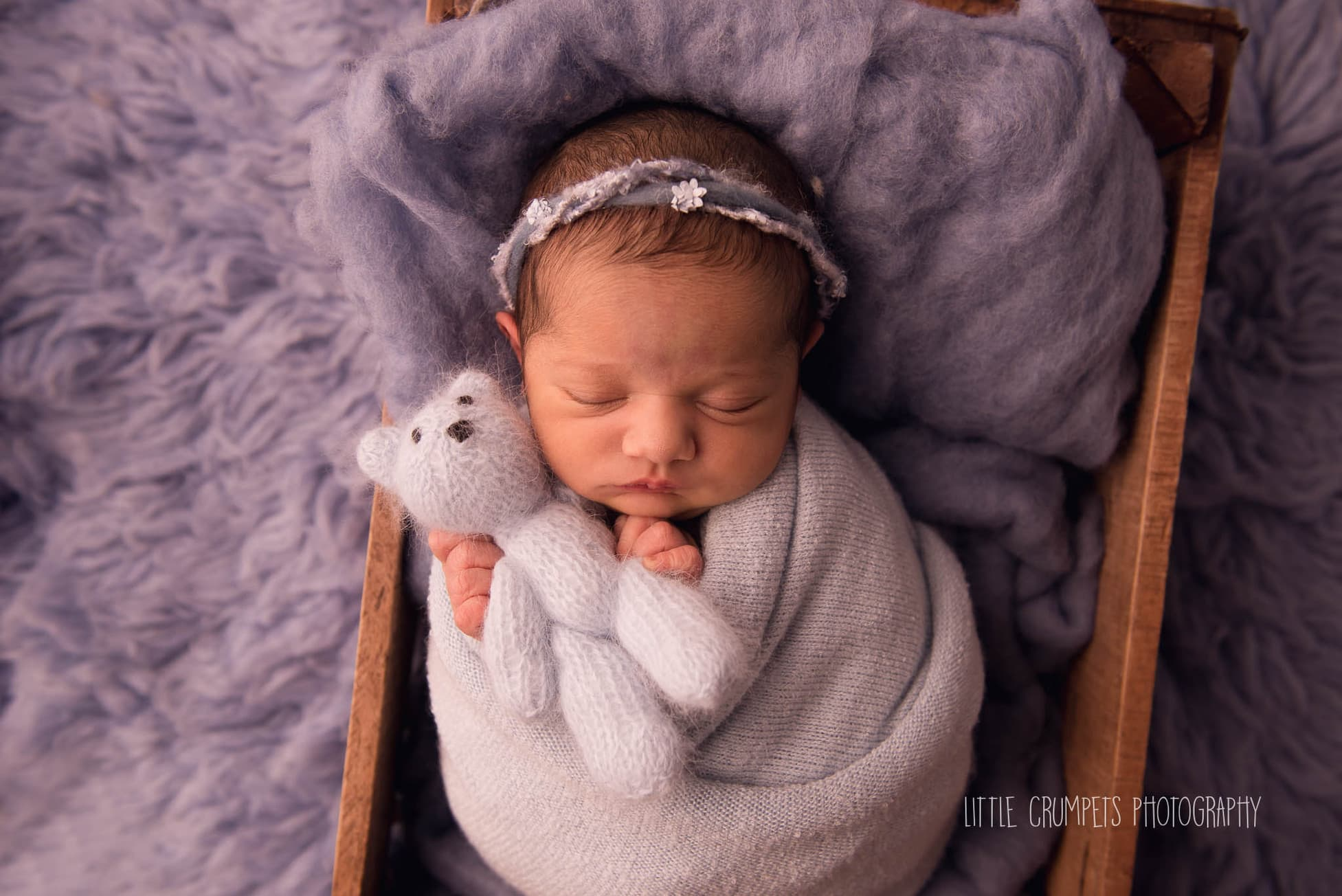 London baby photographer how old should my newborn be for their newborn photography session