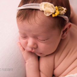 London Baby Photographer: Crafty Ways to Record Baby's First Year