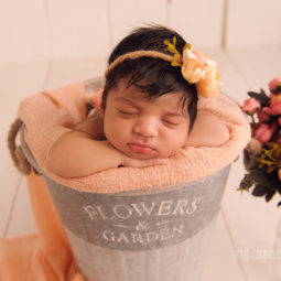 London Newborn-Baby Photographer: When to Book Your Newborn Photography Session.