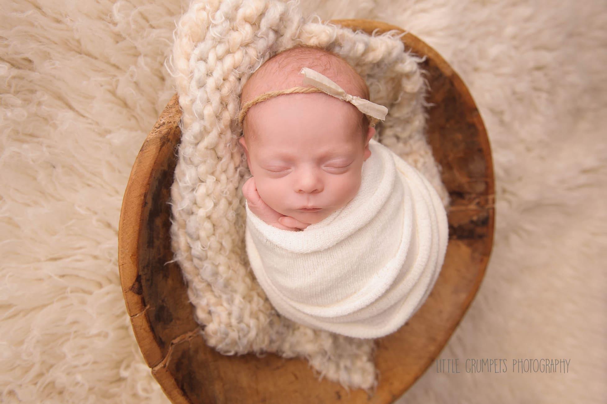 newborn-swaddle-session-london